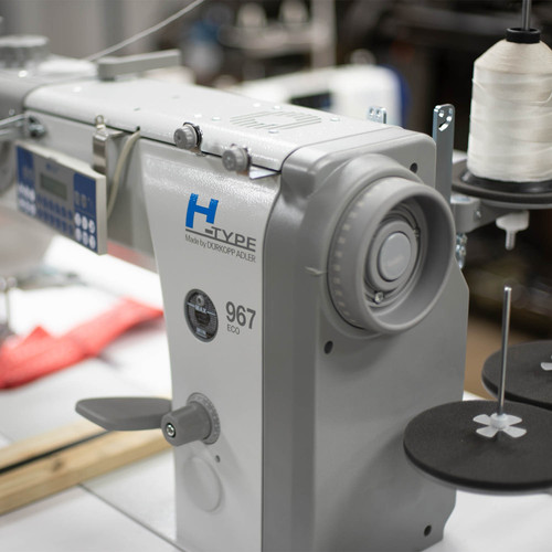 Durkop Adler 967-100382 H-TYPE 967 – Specialist for extreme sewing applications