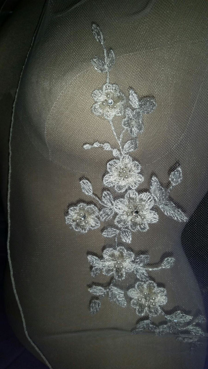 Bel Aire Bridal Veils V7310 1-tier rolled edge fingertip veil with Alençon lace appliqués