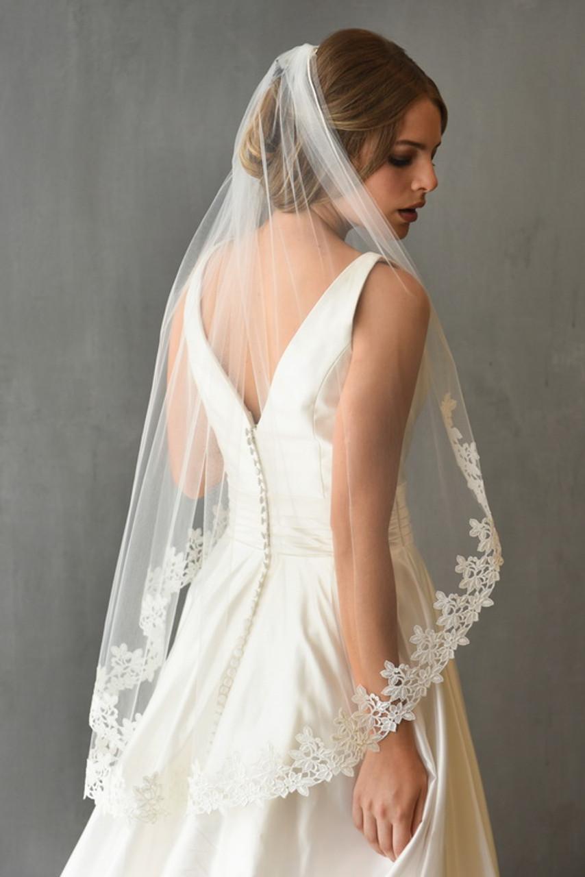 Erica Koesler Wedding Veil 899-40 - Venise Lace Edge