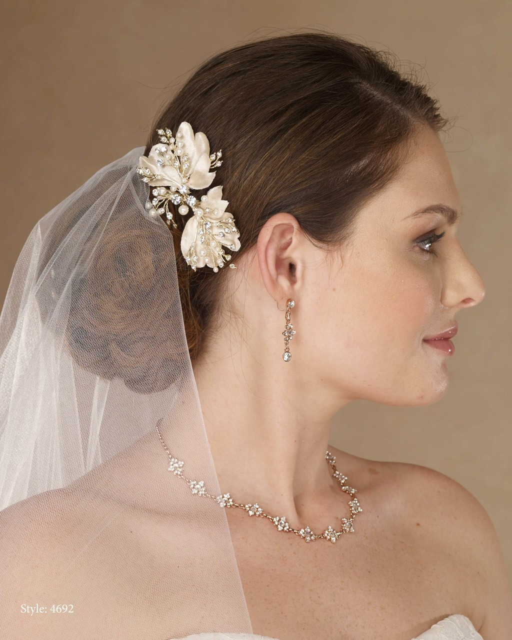 Marionat Bridal 4692 Gold clip with fabric leaves, pearls and rhinestone - Le Crystal Collection