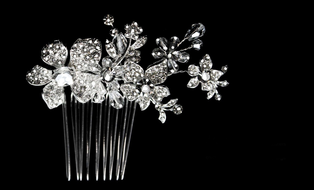 Noelle & Ava Joyfully arranged flower comb with lavishly abundant rhinestone flowers