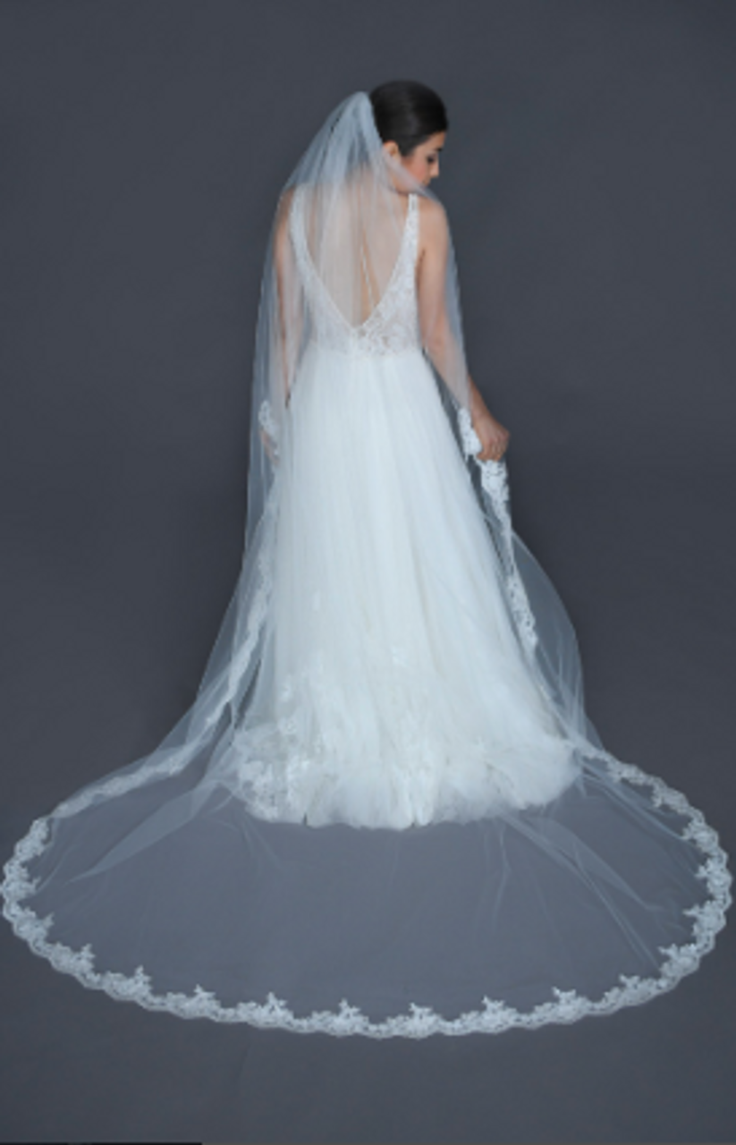 """Erica Koesler Wedding Veil 949-100 - (100"""" inches long) - Single tier, scalloped beaded floral lace"""