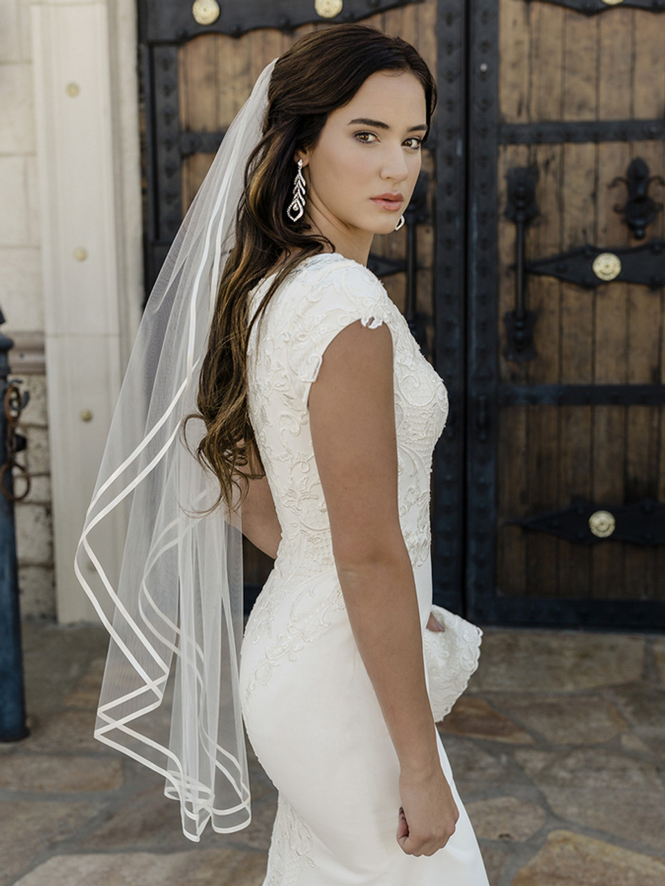 En Vogue Bridal Style V2088SF - Double satin ribbon edge