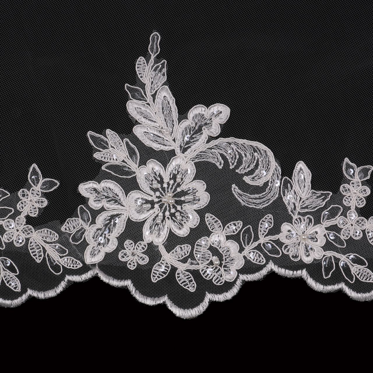 """En Vogue Bridal Style V2094WZ - 60""""L - Waltz Lace Veil"""