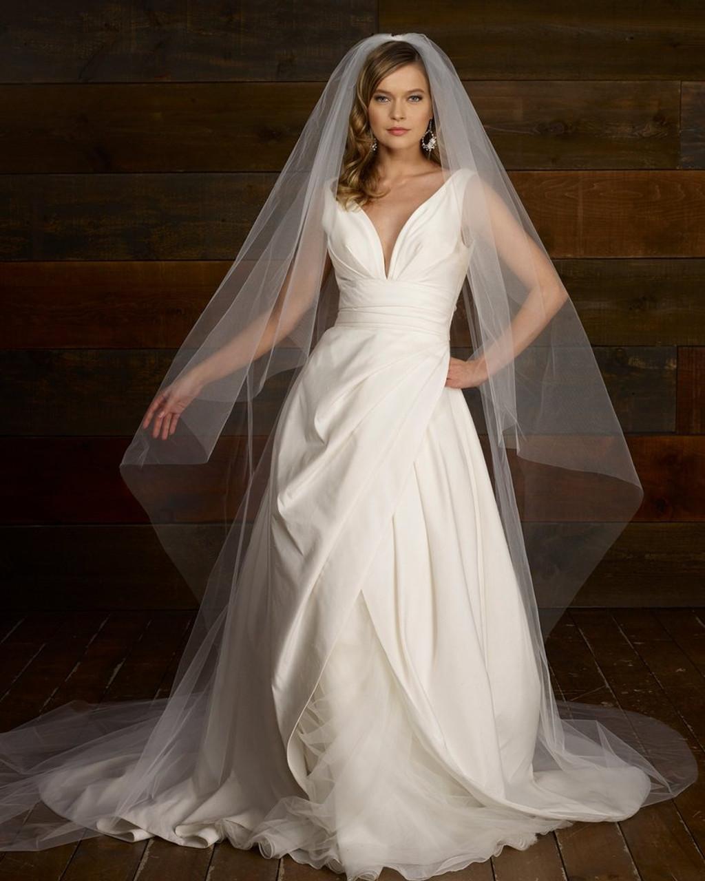 "Marionat Bridal Veils  2150AC - 108"" Angel cut with cut edge"
