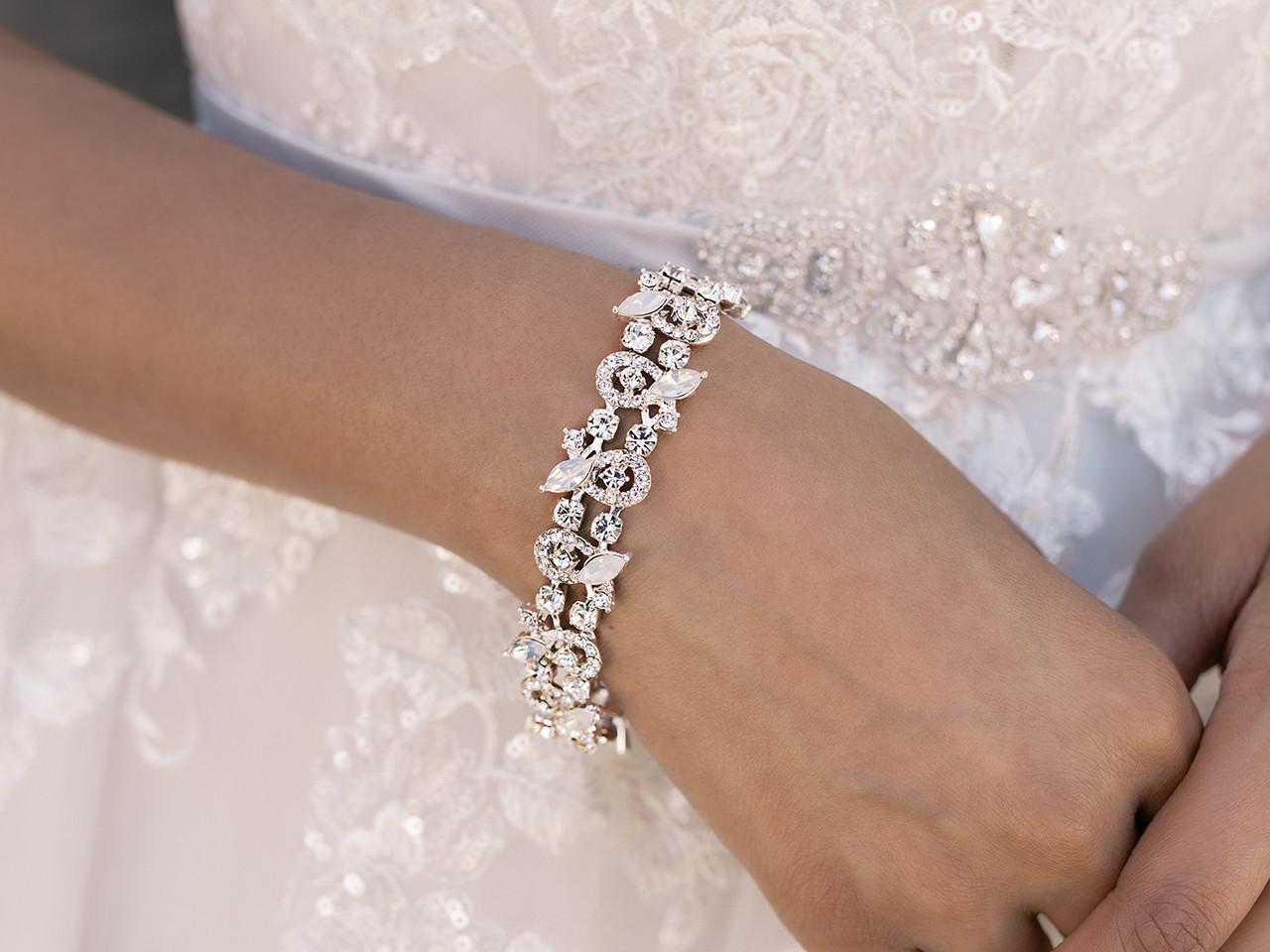 En Vogue Bridal Bracelet Set - Style BL2071
