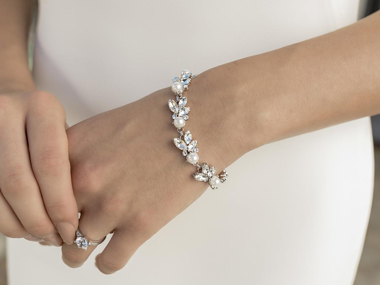 En Vogue Bridal Bracelet Set - Style BL2075