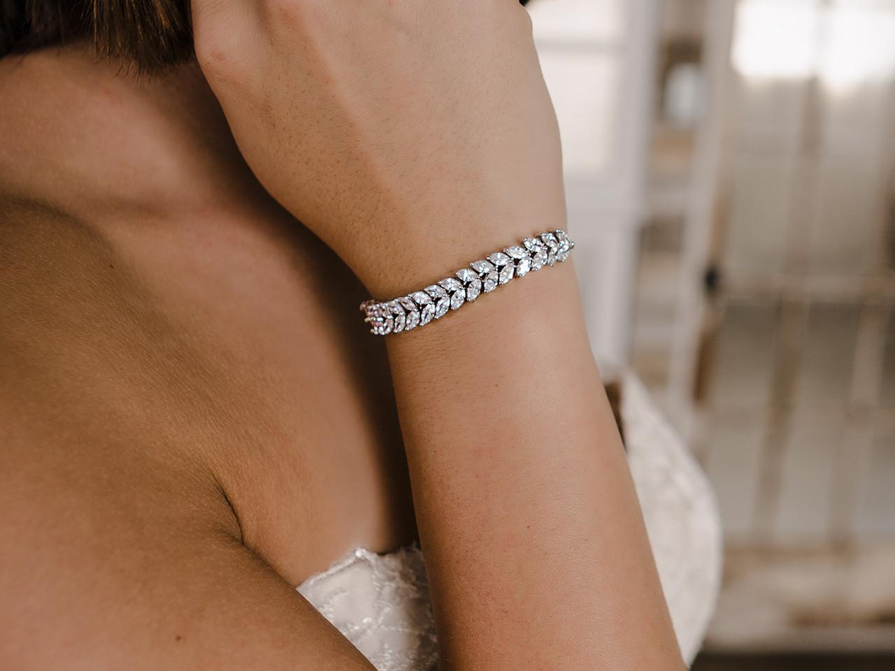 En Vogue Bridal Bracelet Set - Style BL2172
