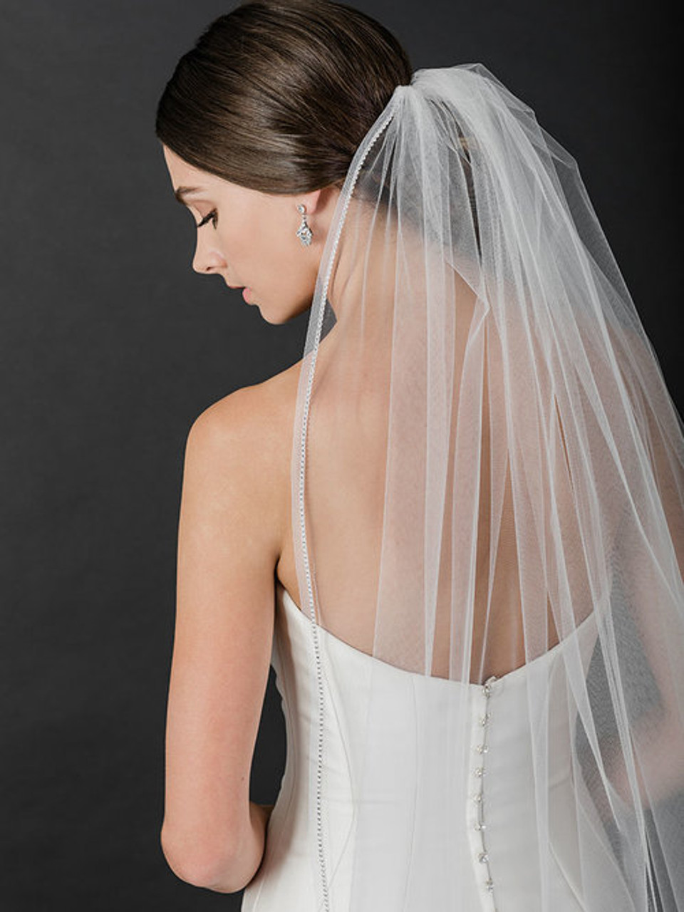 Bel Aire Bridal Veil  V7512 - 1-tier fingertip with horsehair and rhinestone edge