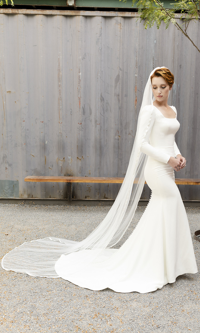 En Vogue Bridal Style V2291C - English Luxe (Soft) Tulle Veil With Ribbon Edge - 108 Inches