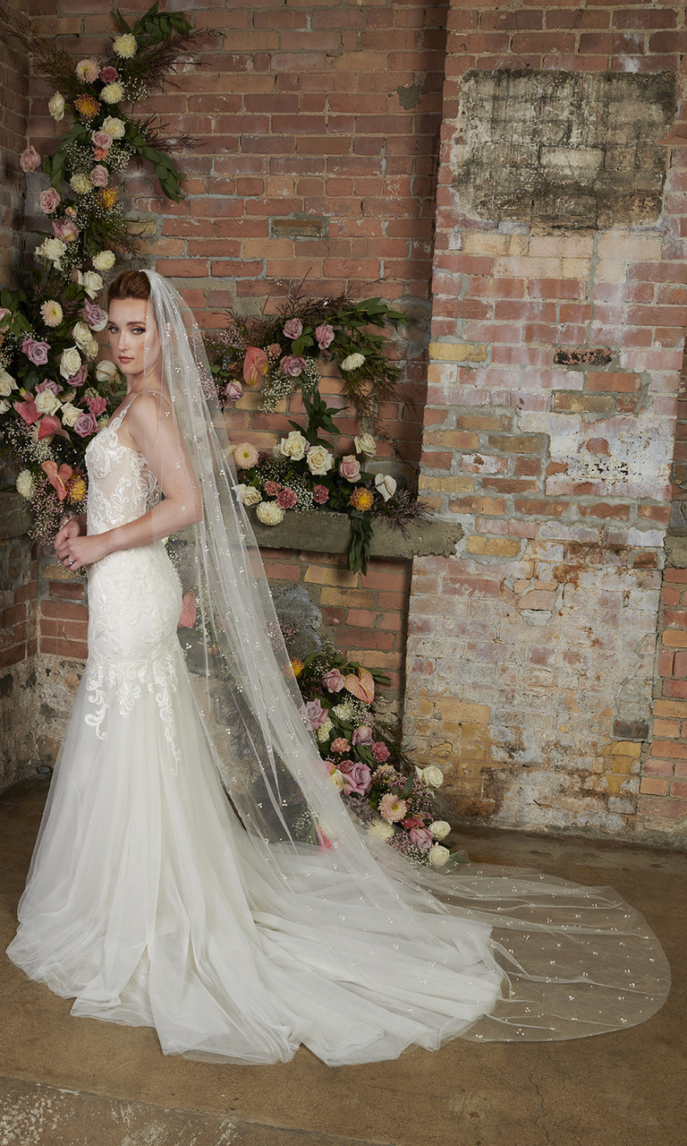 En Vogue Bridal Style V2295C - English Tulle Veil With Scattered Pearls - 108 Inches