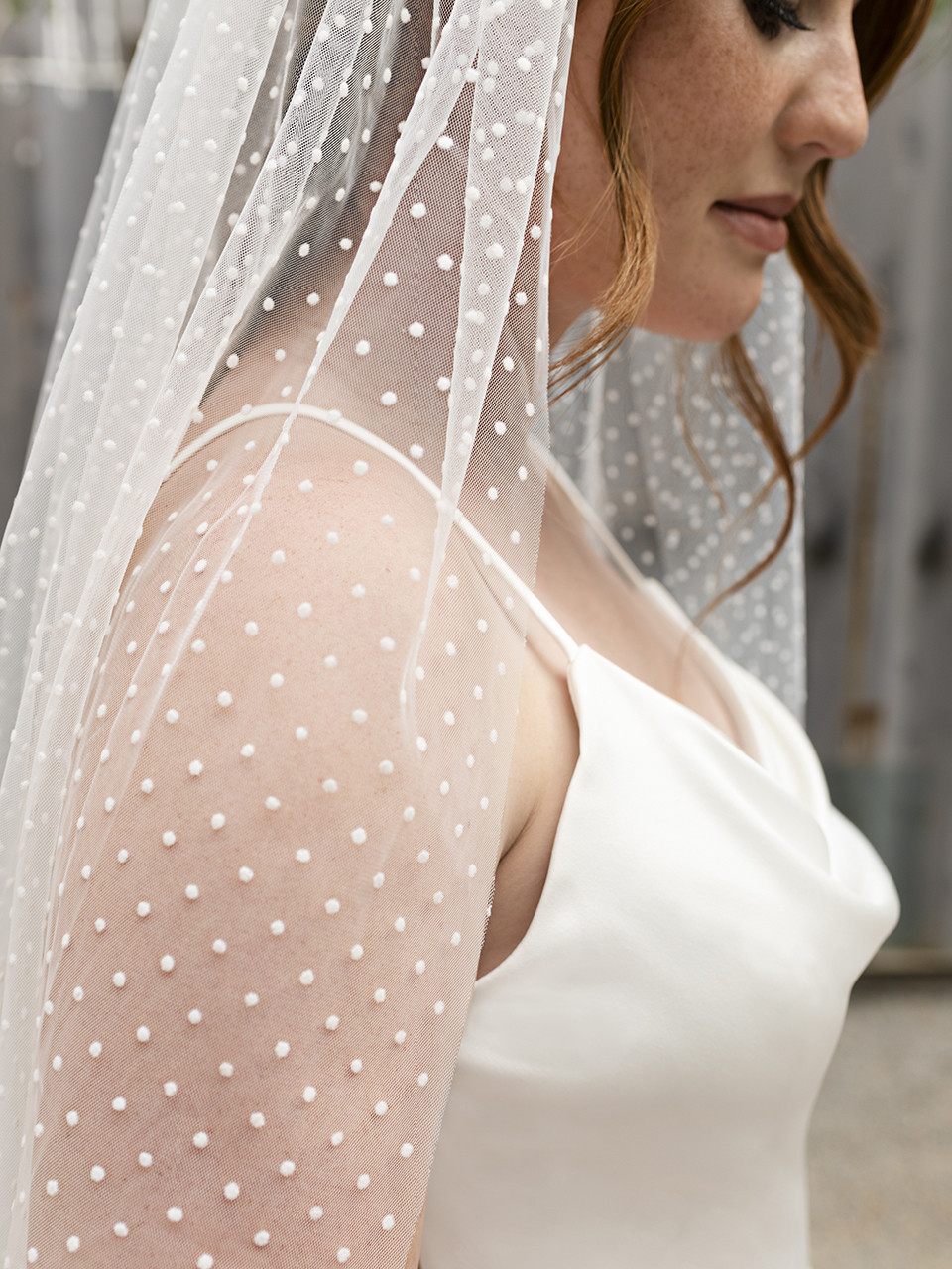 En Vogue Bridal Style V2296SF - English tulle velvet swiss dot veil with raw edge - 41 Inches
