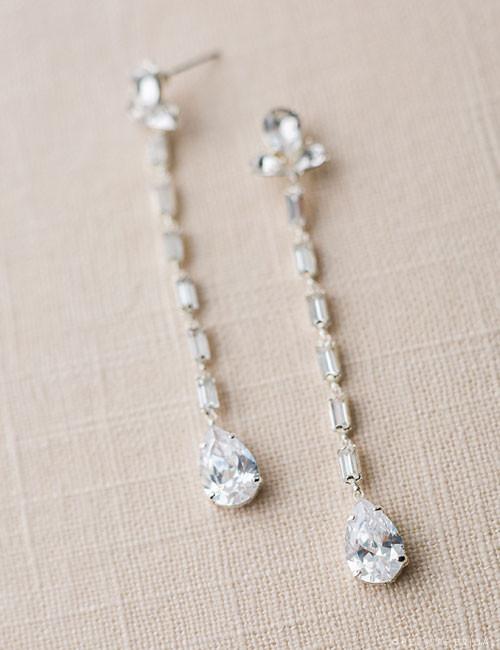 Bel Aire Bridal EA214 - Triple pear drop earrings