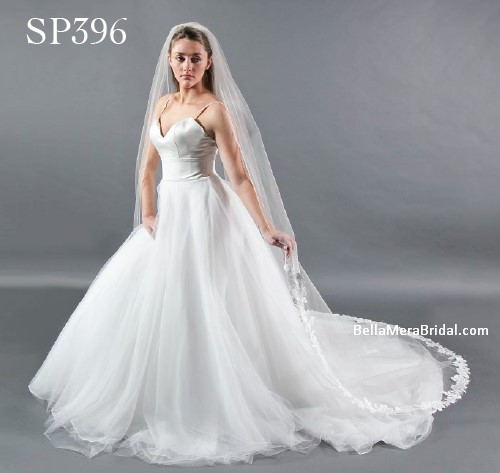 "Giselle Bridal Veil Style SP396 - Unbeaded Lace With Rolled Edge - 108"" Long"