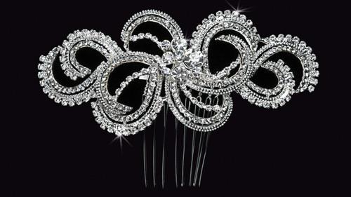 En Vogue Bridal Comb HC1429 - Rhinestone Accents