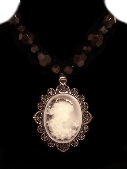 Vintage Style Black Beaded Fashion Necklace