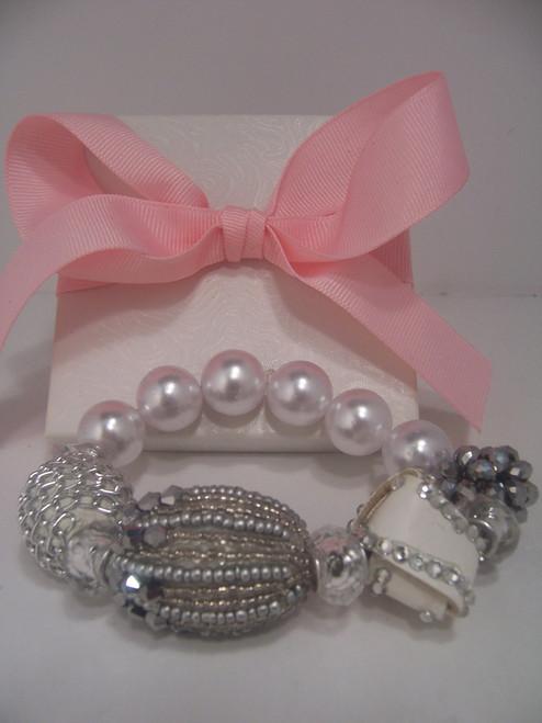 Stretch Cream Beaded Bracelet