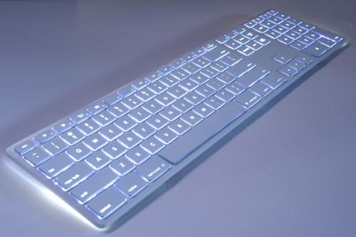 Matias White Wireless Aluminium Keyboard, Mac/Win, Backlit