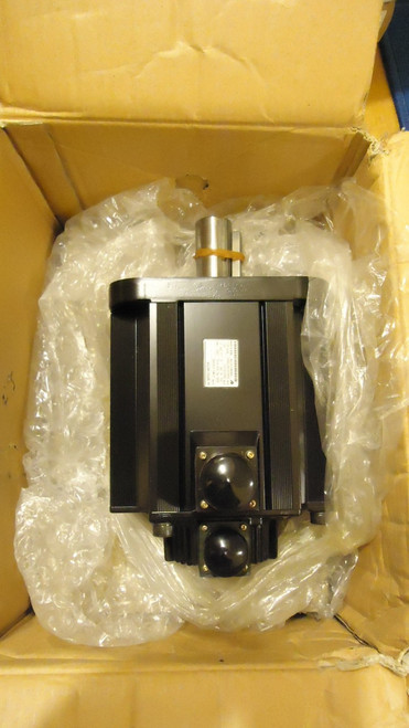 New In Box Yaskawa Servo Motor SGMG-30A2BB 3000w 200v 24.8a 1000rpm