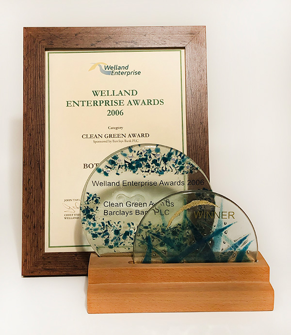 3-welland-award-and-certificate-600x692.jpg