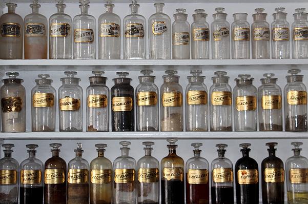 apothecary-bottles-600x400.jpg