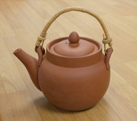 Earthenware Chinese Teapot Classic 0.5 litres