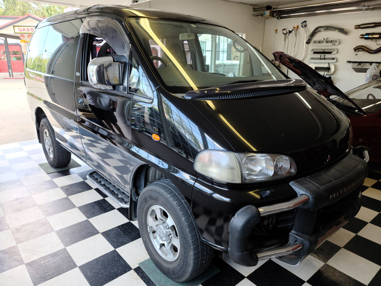 1997 Mitsubishi Delica #PD6W-1886 - HELD WITH DEPOSIT