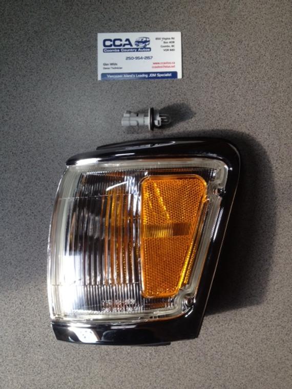 81620-35201 Toyota Surf / 4Runner Front Left Hand Parking Lamp