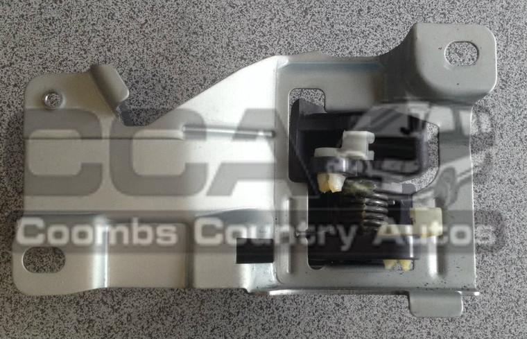 L400 Left Hand Front Door Release Handle