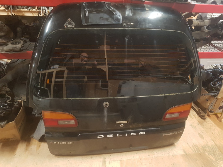 L400 Delica High Roof Tailgate (Used)