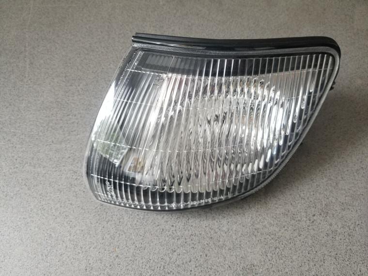 L400 Series 2 Front Left Corner Lamp (black housing) - Genuine Part