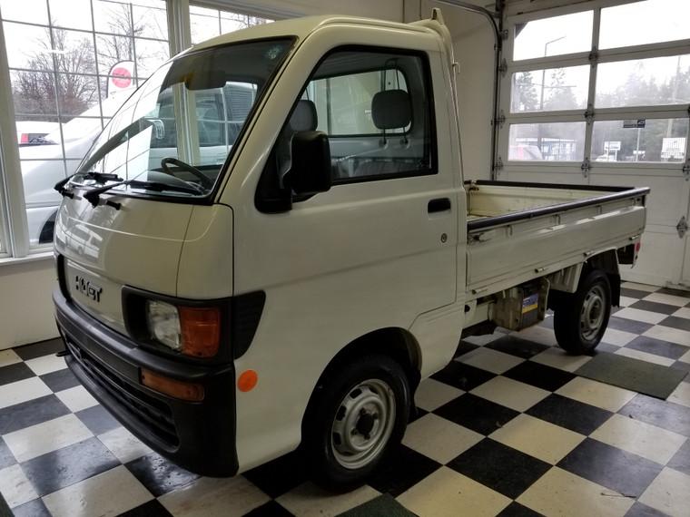 Daihatsu Hijet 4WD truck #S110P-6672   -  REDUCED