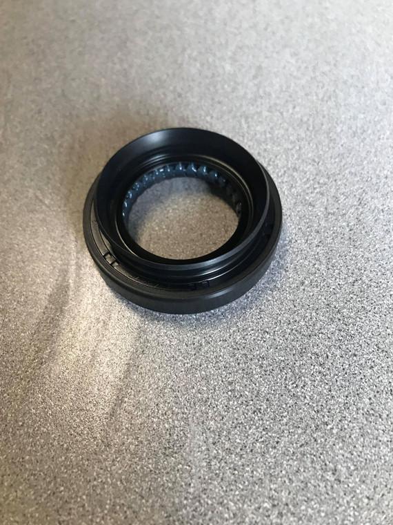 Suzuki Carry/Every Rear Differential Pinion Seal