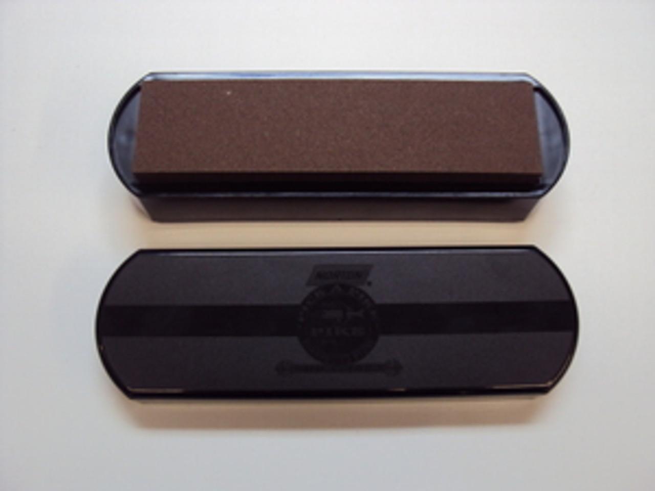 """8"""" Norton IM50 Oilstone Sharpening Set. Oilstone Base, Dust Cover, 4.5oz Oil & 1 coarse/fine Crystolon Combo Stone"""