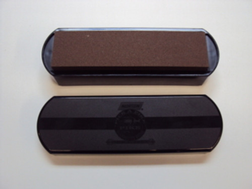 "8"" Norton IM50 Oilstone Sharpening Set. Oilstone Base, Dust Cover, 4.5oz Oil & 1 coarse/fine Crystolon Combo Stone"