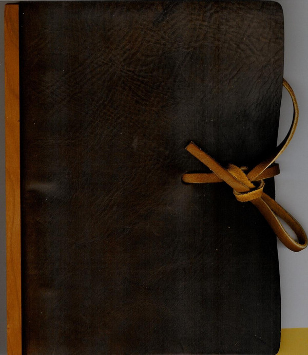 Dark chocolate, 3-ring binder with lanyard tie closure