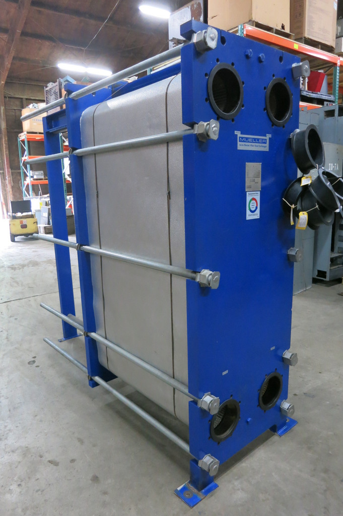 Mueller ~3000 SqFt Stainless Plate Frame Heat Exchanger AT80 B-20 100PSI @ 150F (PM2956-1)