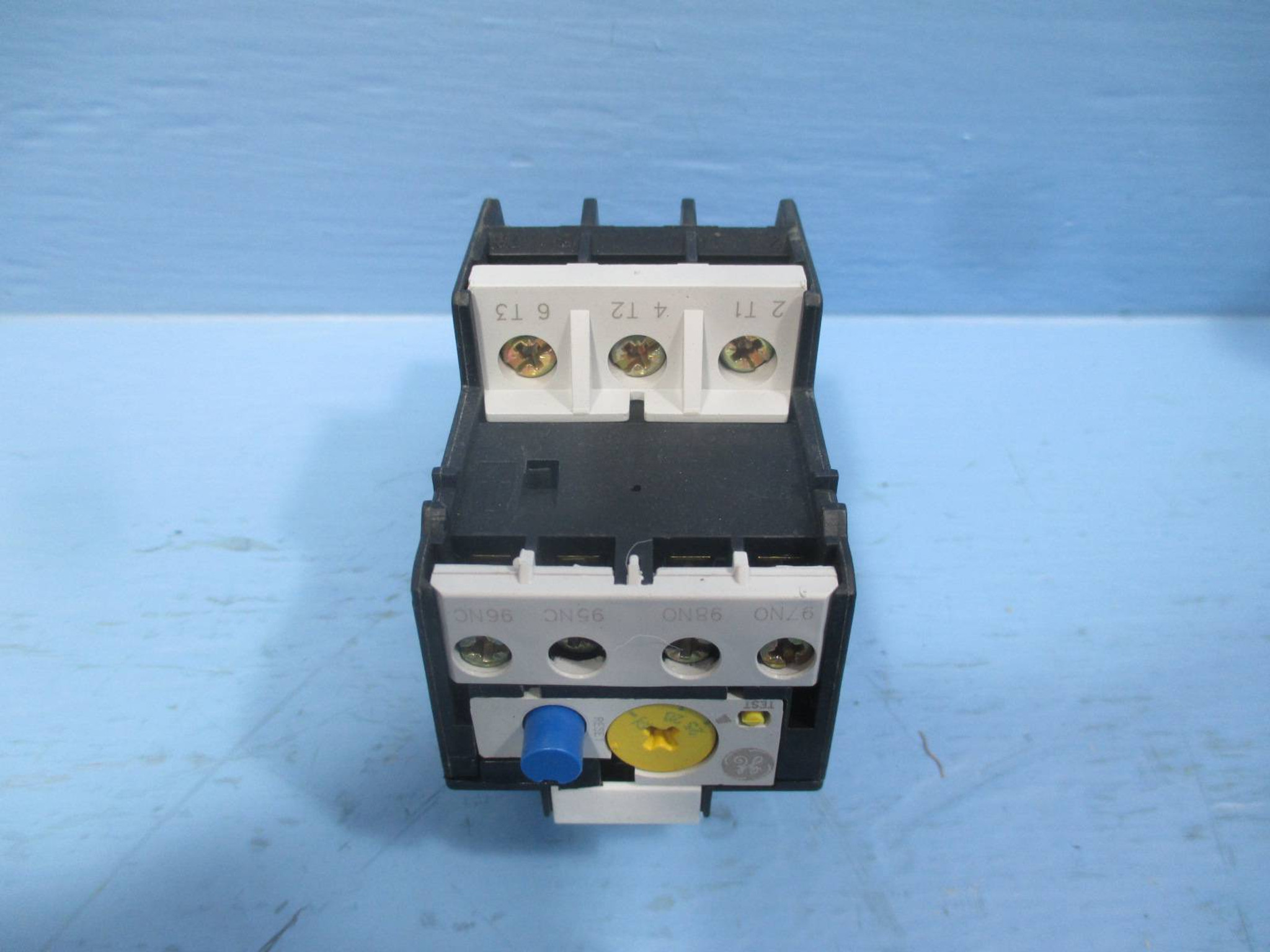 Lot of 3 GE RTN1V 25-32A 120V Direct Mount Reset Overload Relay NEW LOT OF 3 NIB