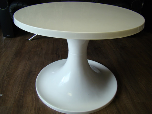 1960`s Style Tulip Round Face Table