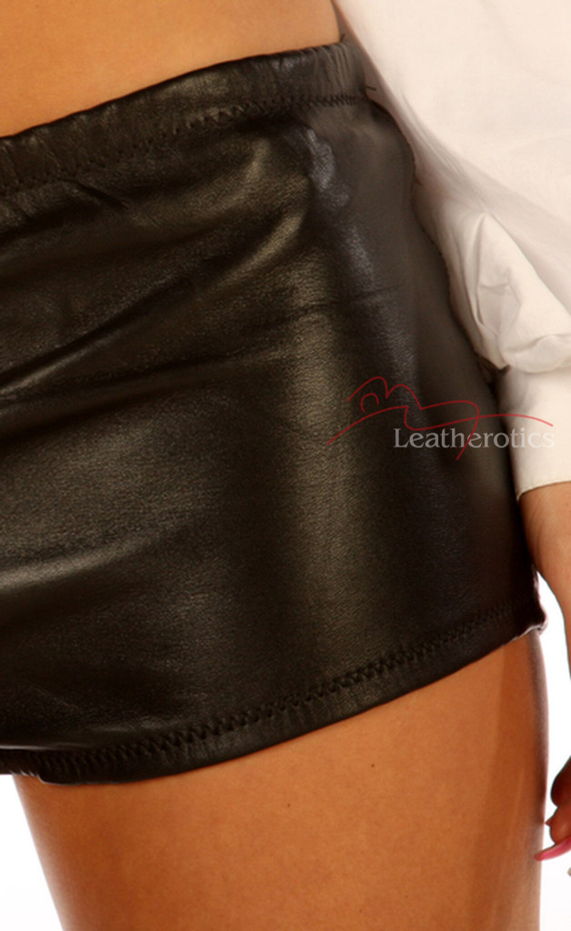 Leather Tight Fit shorts pic 3