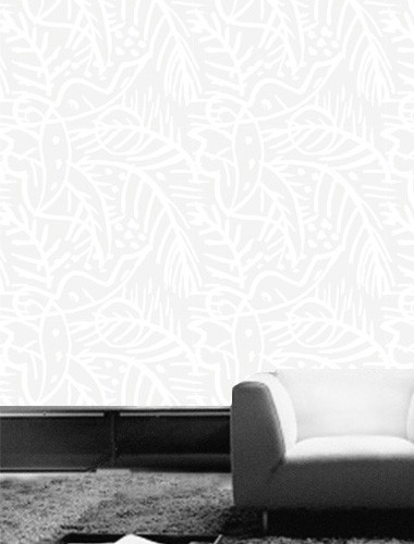 Neutral wallpaper with tropical leaves.