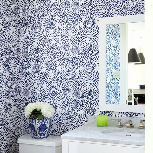 Navy blue mum wallpaper in bathroom.