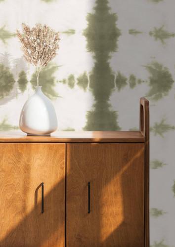Green Shibori style wallpaper.