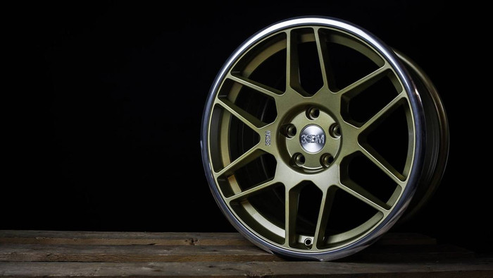 18x8.5 3SDM 0.09 5x112 ET42 CB73.1 Gold / mirror lip - max load 690kg