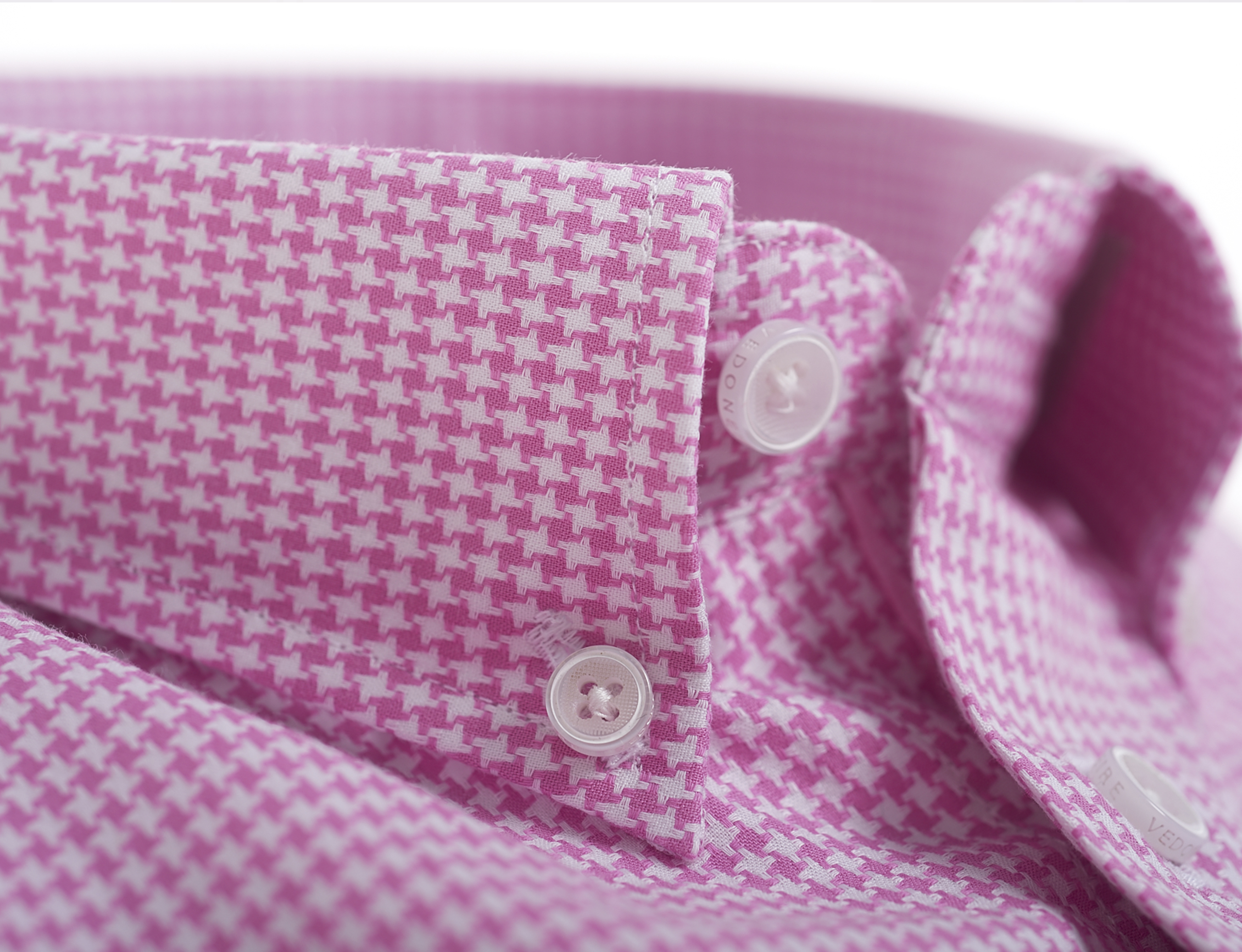 2295pink-houndstooth-close-up.jpg