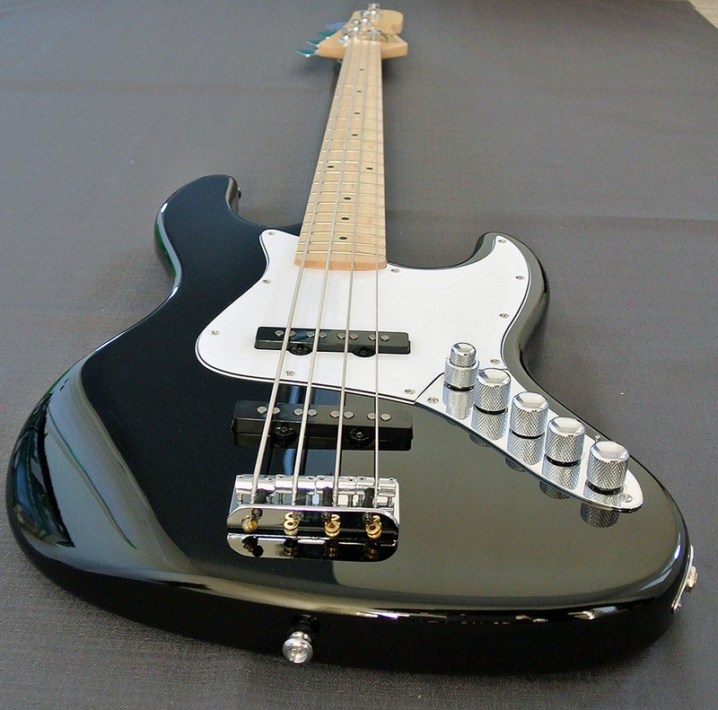 Swing Korea - G-1 Active 4 - 4 String Active Bass - Maple Fingerboard - Black