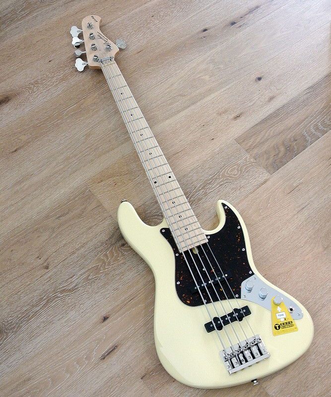 Bacchus Craft Japan Series - WL5-ALD/M - 5 string bass with Alder Body - Vanilla White