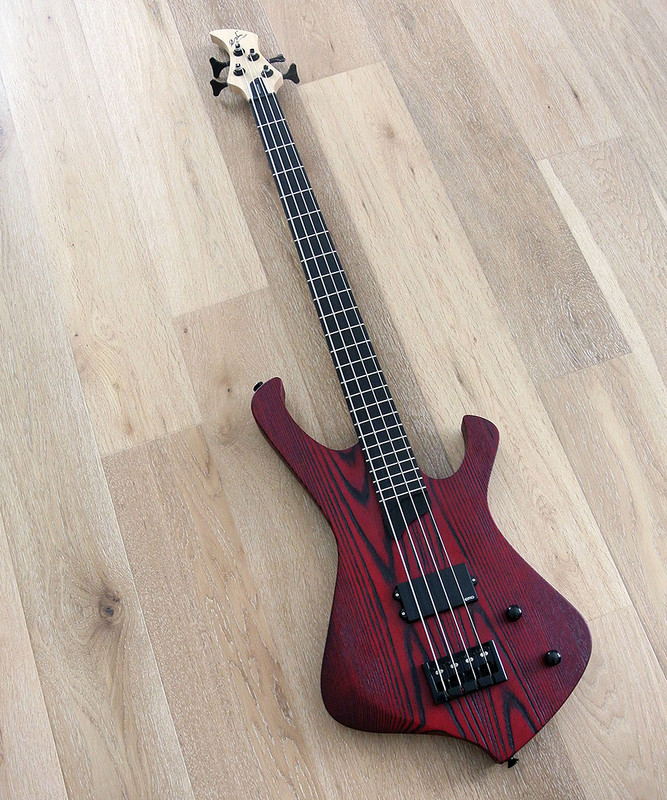 Esh - Stinger I 4 Basic - 4 string bass - Red Sandblast Finish