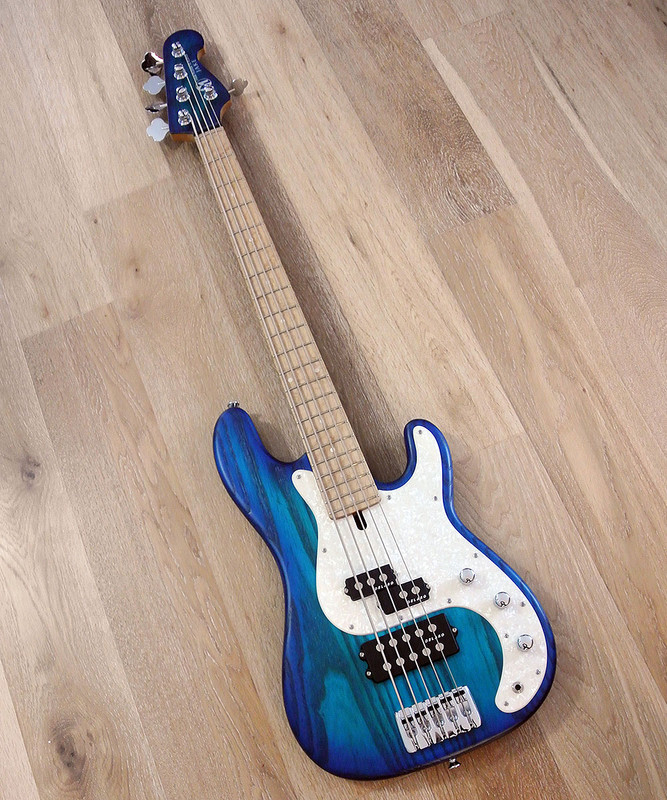 Maruszczyk Instruments - JAKE 5p - 5 String Bass in  2 Tone Turquoise-Blue Finish