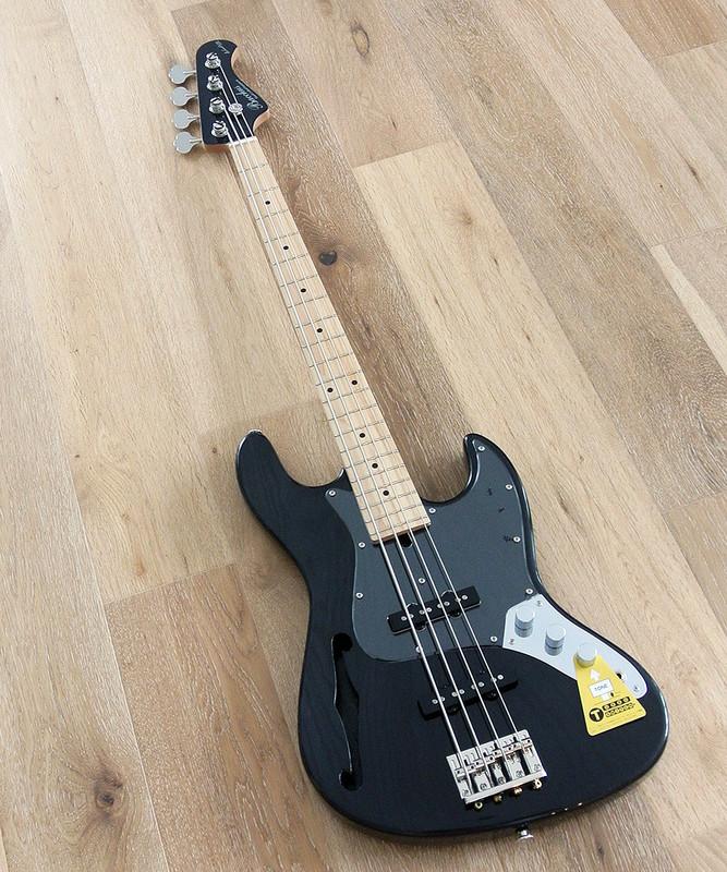 Bacchus Craft Japan Series - WL4DX-ASH Hollow - 4 string bass with hollow ash body - Transparent Black